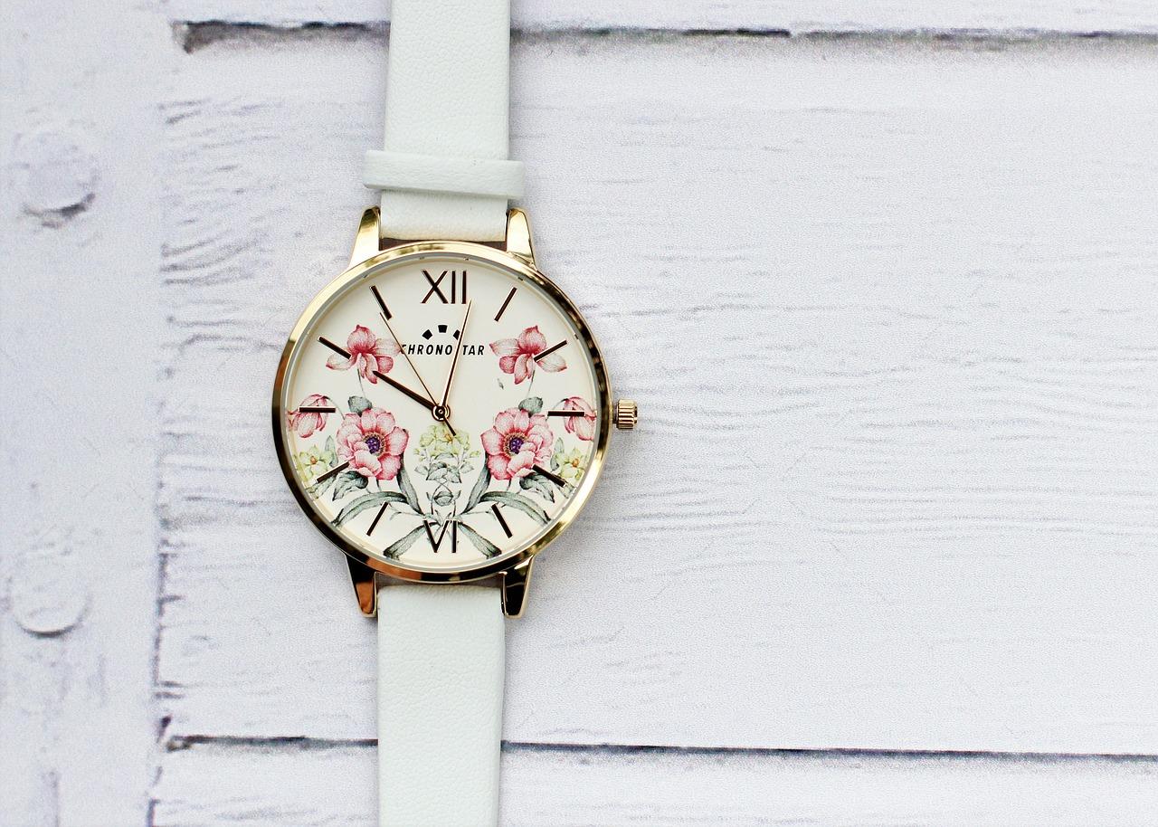 שעון לבן