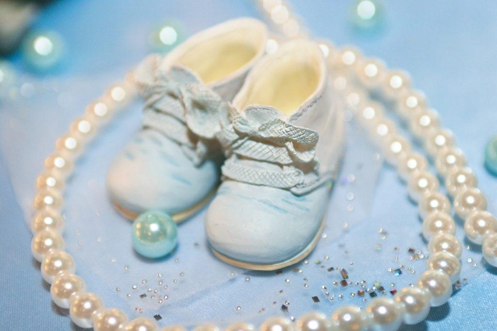 שרשרת ונעליים