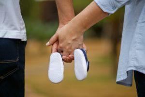 הליכה יד ביד